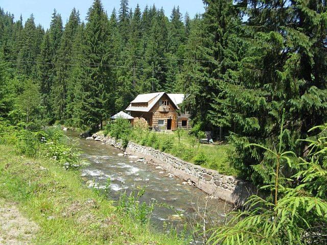 Location: Im Westkarpaten-Naturpark, am Ariesch-Fluß.