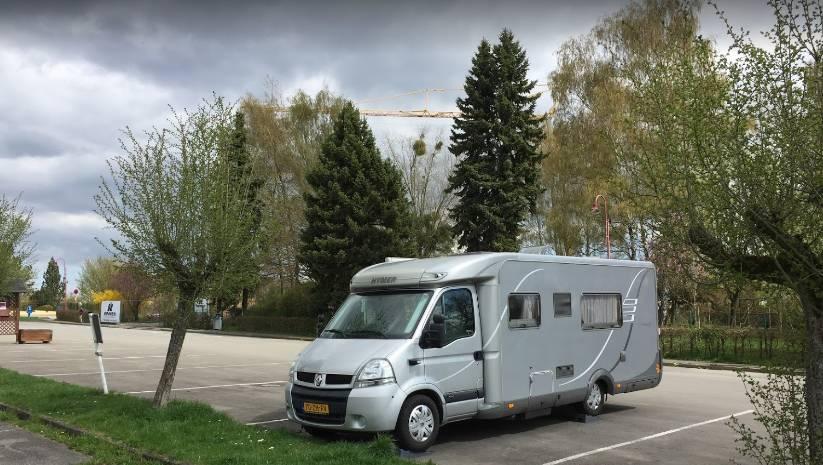 Location: Parking Redange