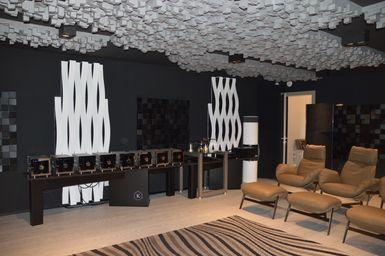 Luxury Listening Room Italy Exhibo Multifuser_Varibass_Flexiwave_VicTotem 2019_27.JPG