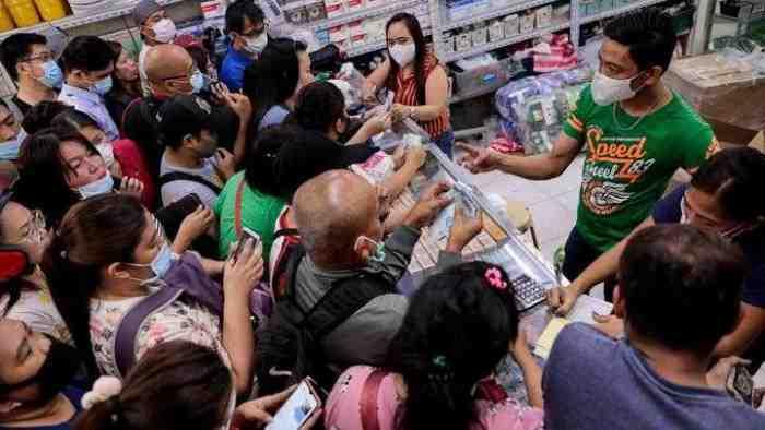 Virus Corona Semakin Marak, Harga Masker Tembus 3 Juta, Netizen: `Tak Berkeprimanusiaan`
