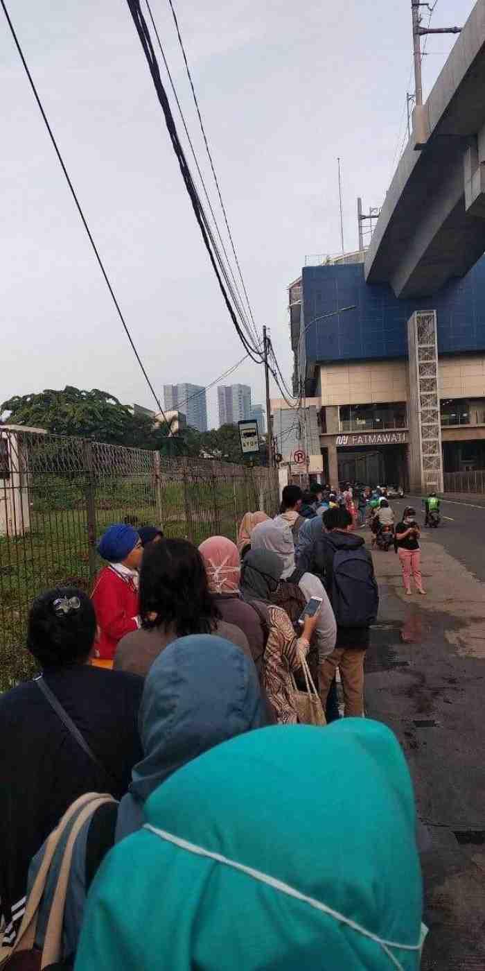 Miris, DKI Terapkan Work From Home, Tapi Masyarakatnya Masih Keluyuran
