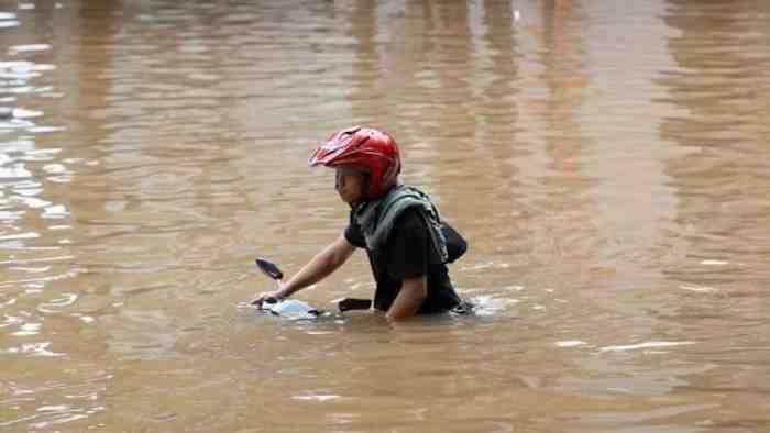 Banjir Jakarta Capai 1 Meter, Awas ini Beberapa Titik yang Perlu Anda Hindari