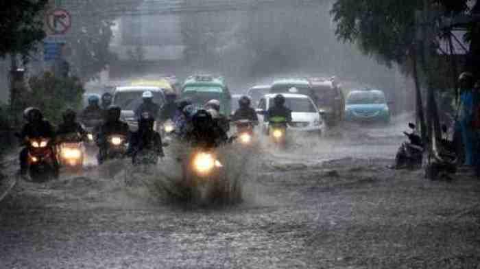 Waspada, Curah Hujan Tinggi, BMKG Sebut Indonesia Dilanda Cuaca Ekstrem