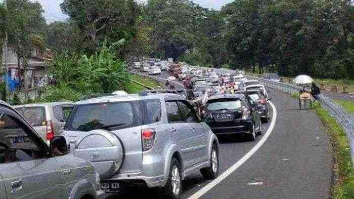 Jakarta Diliburkan, Warga Berbondong-bondong Wisata ke Puncak?
