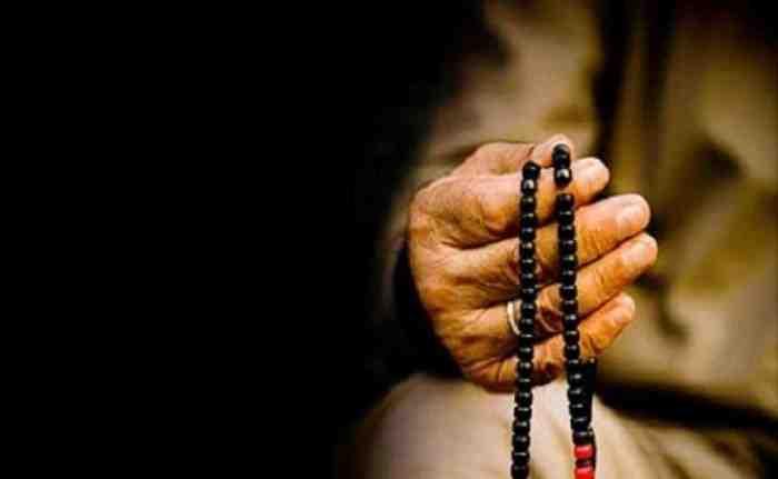 3 Keutamaan Membaca Shalawat Nabi