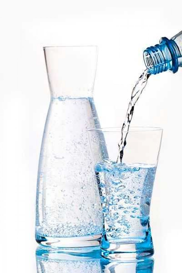 10 Manfaat Air Putih Untuk Kesehatan dan Kecantikan