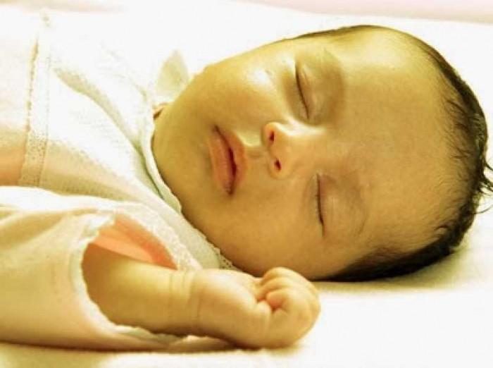 Penyebab, Gejala, dan Penanganan Bayi Baru Lahir Kuning