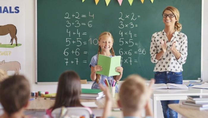 Cara Membuat Kartu Ucapan untuk Hari Guru