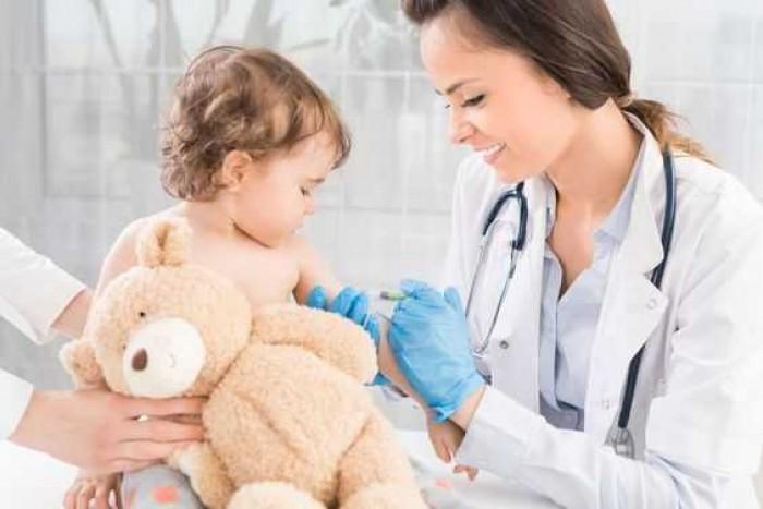 Jadwal dan Jenis Imunisasi Bayi yang Wajib dan Tambahan