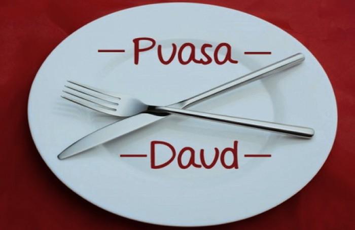 Niat Puasa Daud Arab, Latin dan Terjemahannya