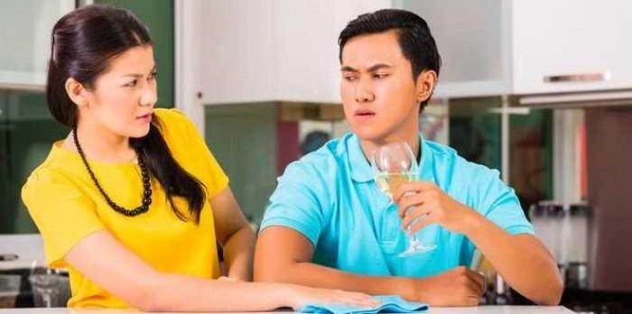 5 Sifat Istri yang Membuat Suami Sering Jajan di Luar