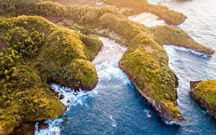 7 Pantai Baru di Jogja yang Wajib Dikunjungi Saat Liburan