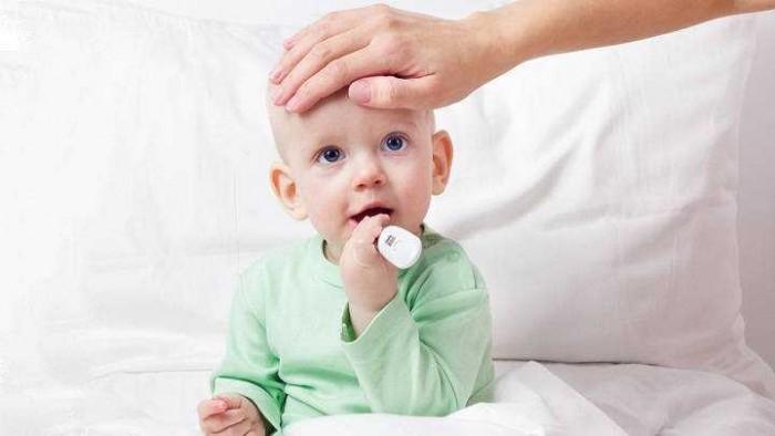 Bayi Pilek Bolehkah Imunisasi?