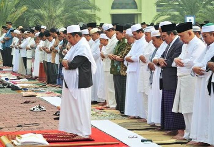 Tata Cara dan Bacaan Niat Sholat Idul Fitri