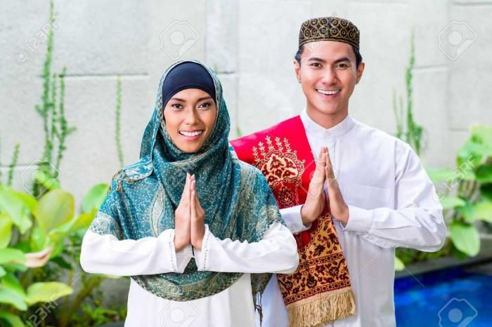 Adab Berpakaian Dalam Islam Beserta Amalanya