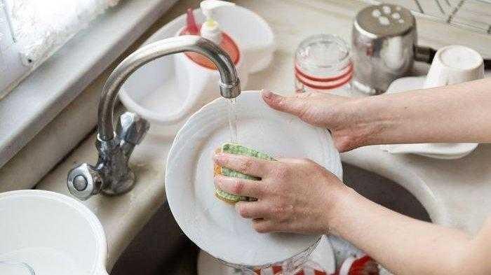 Mencuci Piring Ternyata Punya Manfaat Bagi Kesehatan Simak Penjelasannya