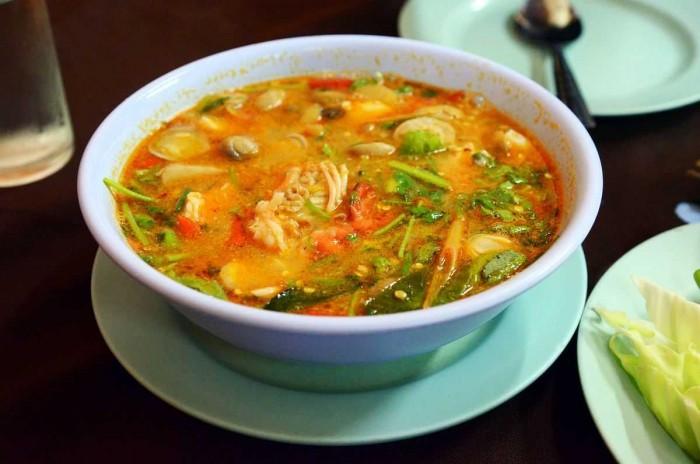 Makanan yang Cocok Disantap Saat Musim Hujan, Ada Kesukaanmu?