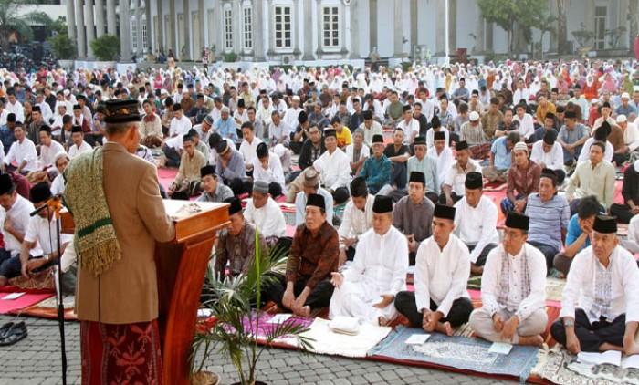 Contoh Teks Khutbah Idul Fitri Dilengkapi Doa