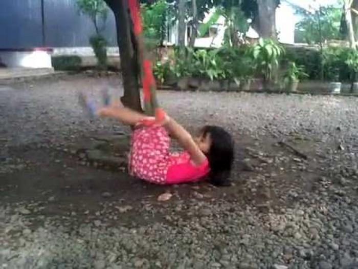 Waspada Balita di Riau ini Tewas Saat Bermain Ayunan