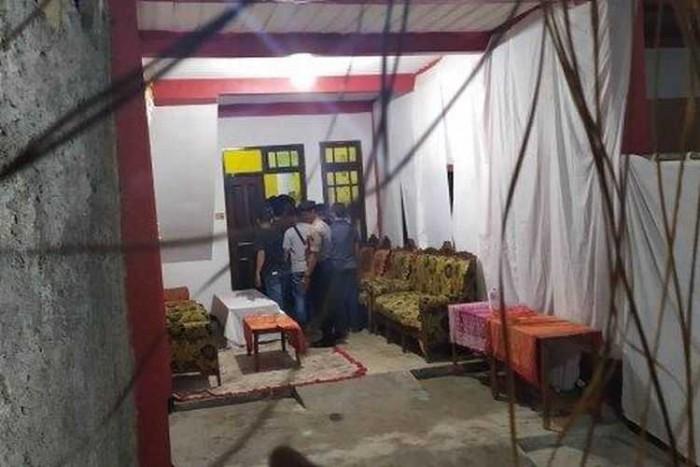 Raja dan Ratu Halu di Ciduk, Polisi Geledah Keraton Sejagat di Purworejo