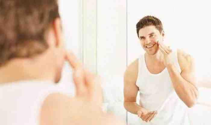 100% Ampuh, Begini Cara Menghilangkan Minyak di Wajah Pria