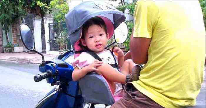 Awas Walau Nyaman ini Bahaya Kursi Bonceng Anak