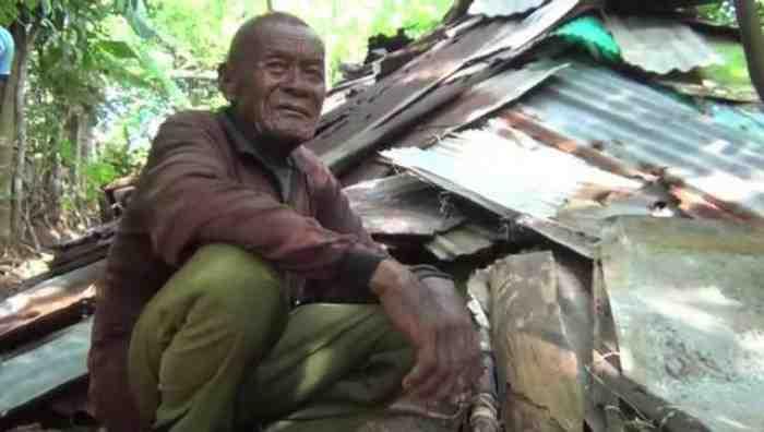 Kisah Haru, Kakek Pemulung yang Tinggal 30 Tahun di Gubuk Dari Seng