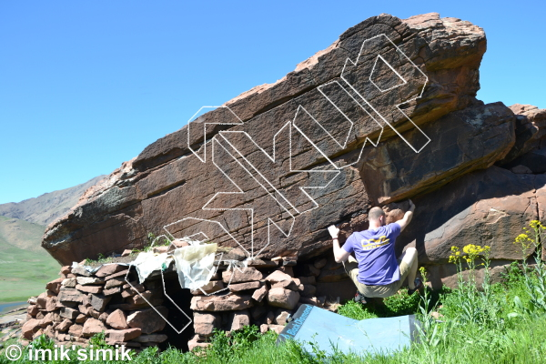 photo of The little garbage hut from Oukaimeden Bouldering Morocco