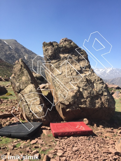 photo of Fuggles from Oukaimeden Bouldering Morocco