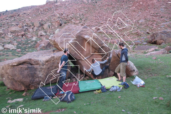 photo of Matthis, V3  at Dust from Oukaimeden Bouldering Morocco