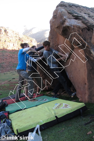 photo of Burn Dust, V4  at Dust from Oukaimeden Bouldering Morocco