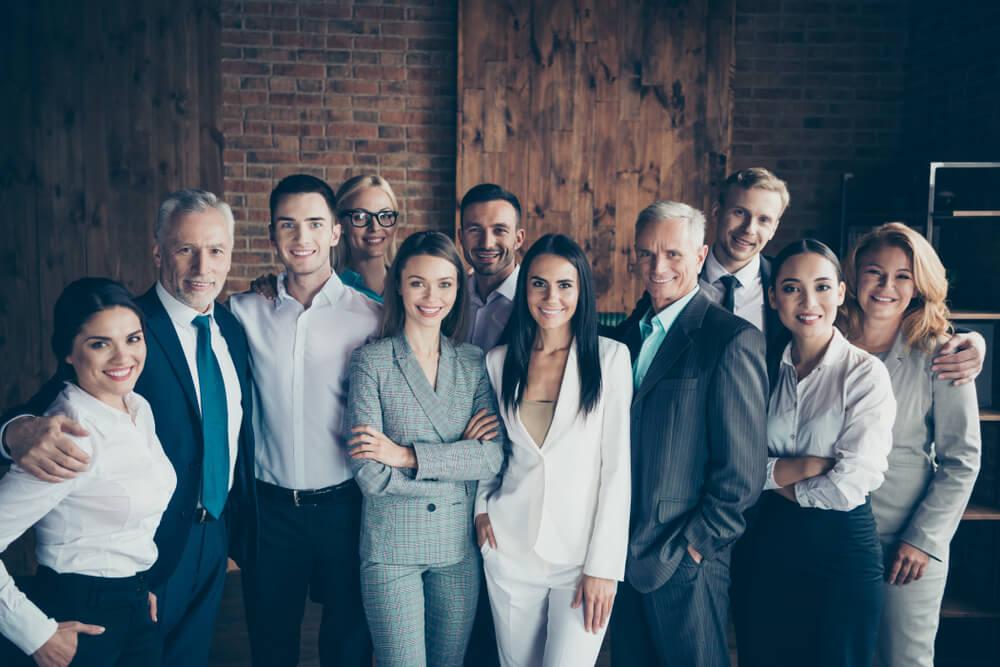 Empresa pessoas conversando Employer Branding