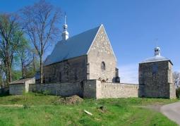 Gotycki kościół pw. Świętego Idziego Opata - Ptkanów