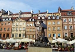 Stare miasto - pomnik Syrenki Warszawskiej