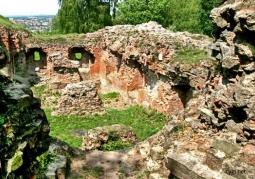 Ruiny Zamku Tarnowskich - Góra Świętego Marcina