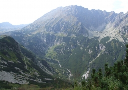 The Roztoki Valley seen from the trail to Morskie Oko