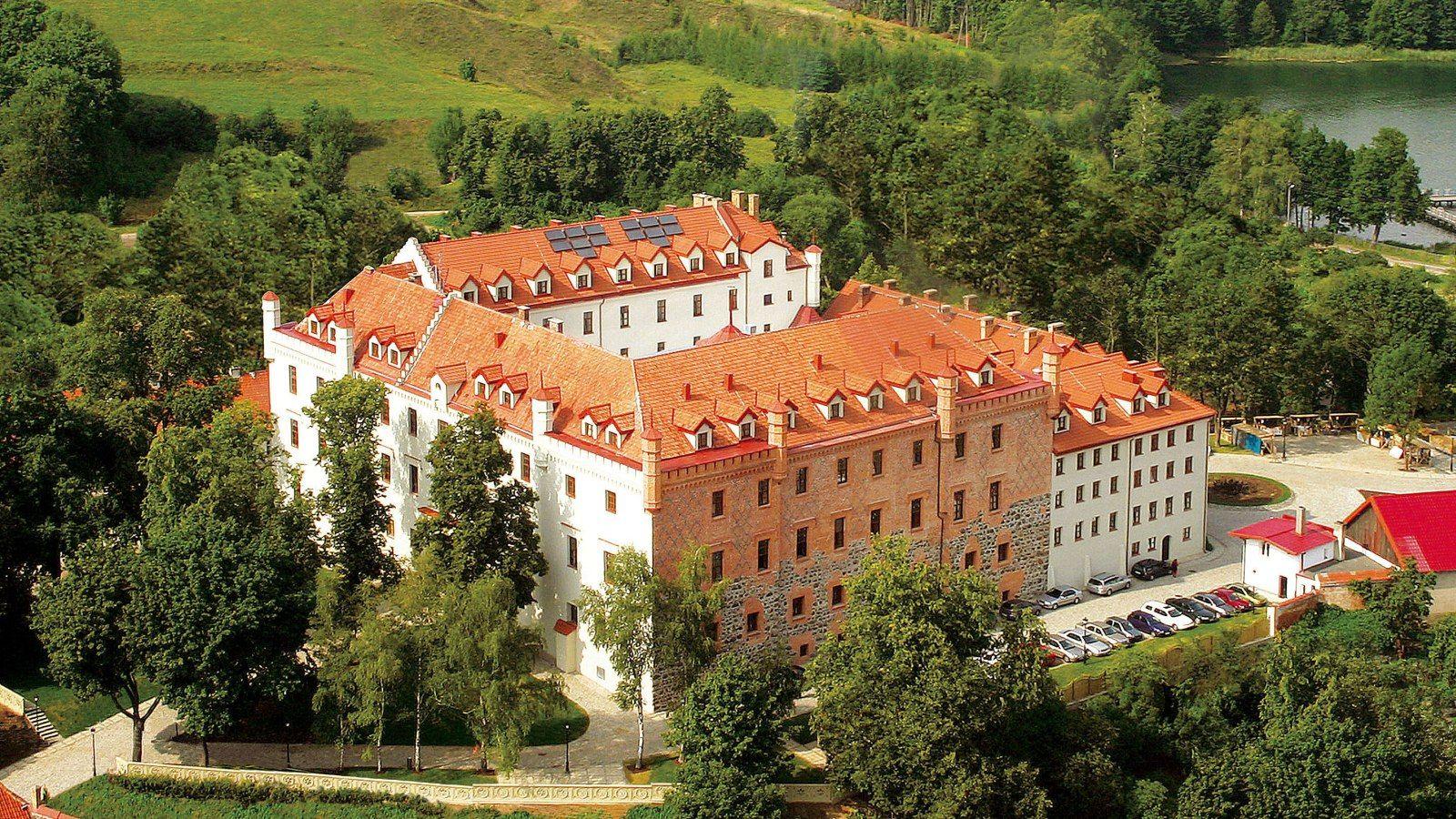 Zamek w Rynie z lotu ptaka