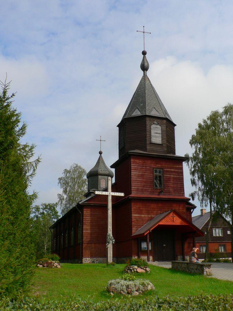 Drewniany gmach koscioła św. Anny