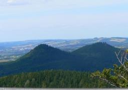 Widok ze Starościńskich Skał w kierunku Gór Sokolich