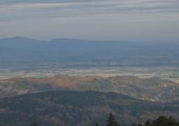 Widok na Masyw Ślęży z Wieży na Wielkiej Sowie