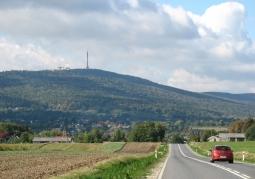 View of Łysa Góra from the vicinity of Stara Słupia