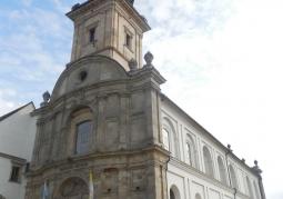 Kościół od frontu