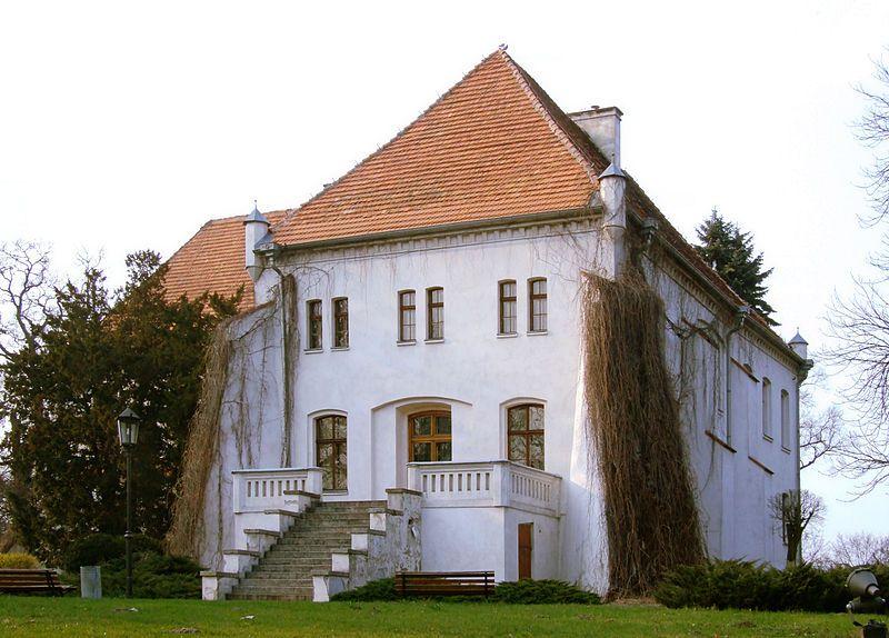 Odbudowany zamek Górków w Szamotułach