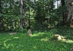 Przycerkiewny cmentarz