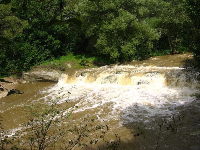 Wodospad w Uhercach Mineralnych