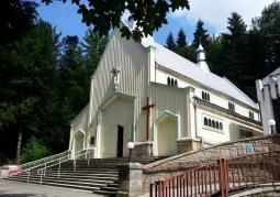 Kościół widziany z zewnątrz