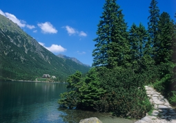 Morskie Oko with a shelter in the background