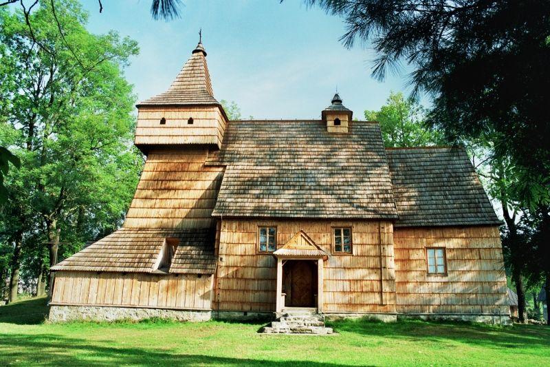 Drewniany kościół