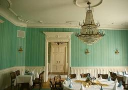 Dawny salon w pałacu w Kobylnikach