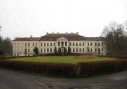 Elewacja frontowa pałacu